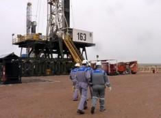 Por la crisis petrolera, YPF dio de baja 33 equipos y miles de trabajadores serán despedidos