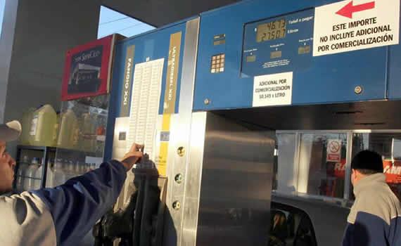 El plus al precio de los combustibles en el surtidor fue implementado para mejorar la rentabilidad
