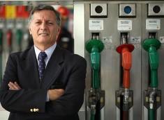 Aranguren adelantó a los estacioneros los cambios que propone para modificar el esquema impositivo que gravan a los combustibles