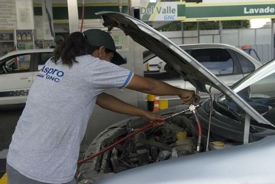 Para el segmento del gas natural correspondiente al GNC, ya está establecido el sendero de precios desde el año pasado