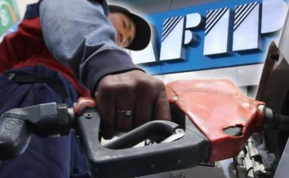El impuesto a los combustibles llega al Estado por intermedio de las Estaciones de Servicio
