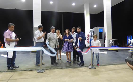 La flia Sartori inauguró un nuevo centro de servicios