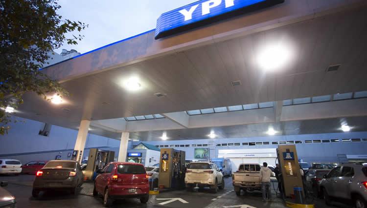 YPF aumentó las naftas por segunda vez en menos de una semana